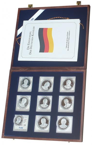 Münzkassette mit 9 Silbermedaillen *Die Kanzler der BRD* - Insgesamt 168,5 gr 999/1000 Silber
