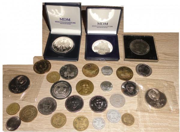 Münzen und Medaillen Lot